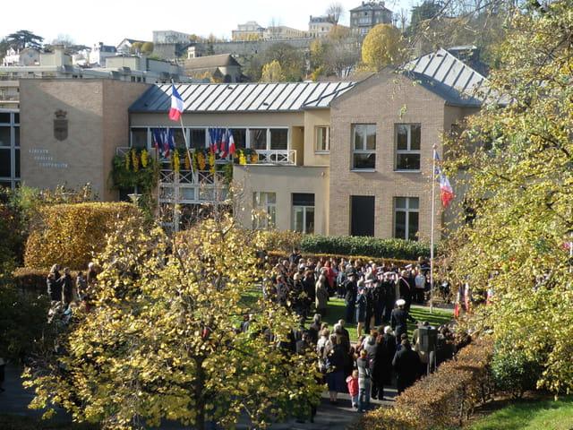 11 novembre 2008, au Pecq, la Mairie