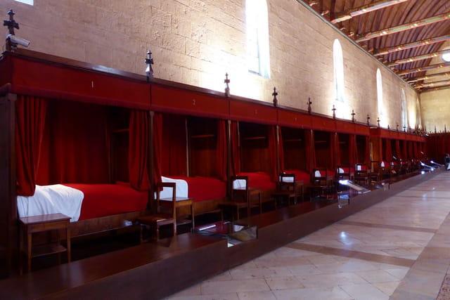 la salle des pauvres des hospices de beaune par evelyne renoux sur l 39 internaute. Black Bedroom Furniture Sets. Home Design Ideas