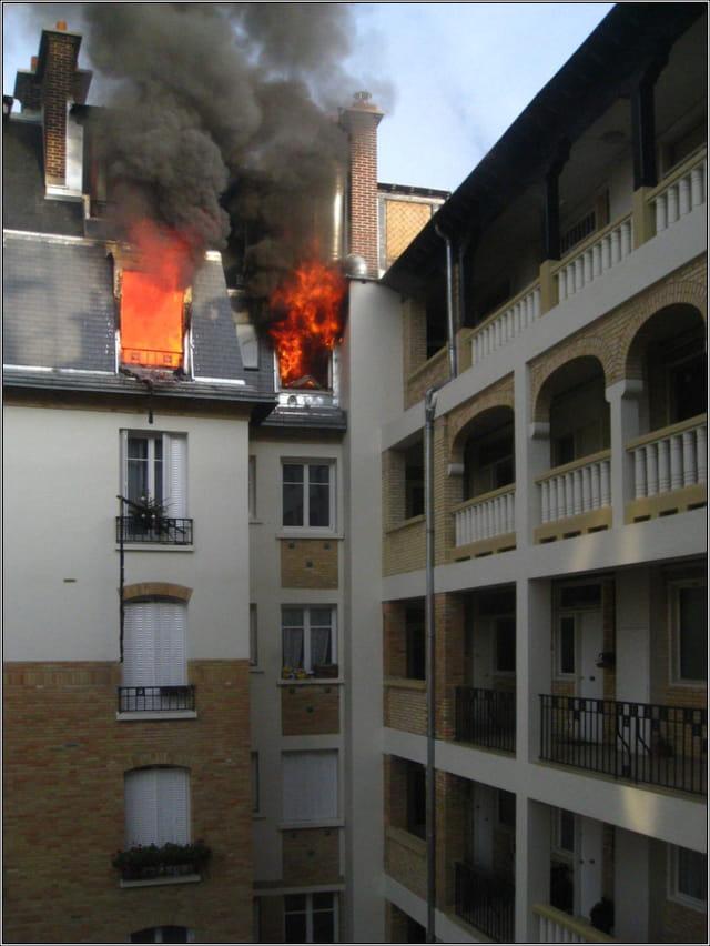 Appartement en feu par jean pierre tolomio sur l 39 internaute - Lappartement high tech high end varsovie ...