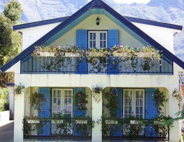 Maison bleue par loetitia porterie sur l 39 internaute for Adresse de la maison bleue san francisco