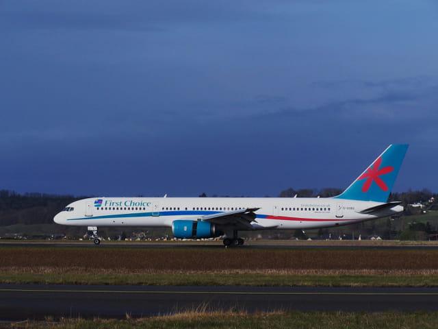 Avion de ligne boeing 757 cie firstchoice par jean marc for Interieur boeing 757