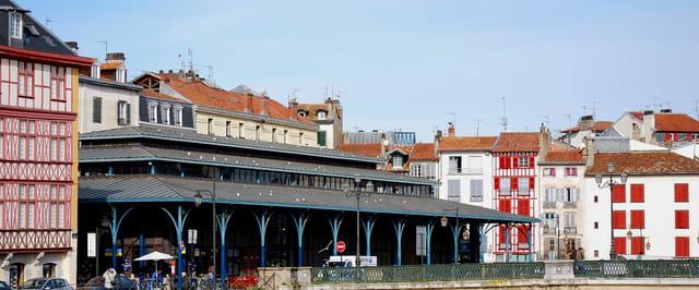 Les halles de bayonne par jean claude vaquero sur l 39 internaute for Forum bayonne