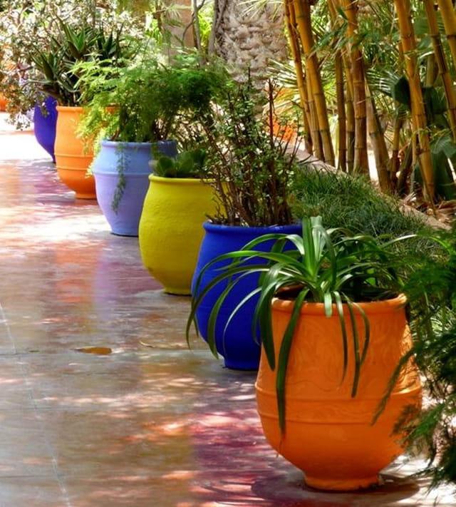 Jardin Arabe: Poteries Colorées Au Jardin Majorelle Par Gaëtane DELOURME