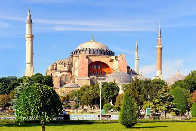 La Turquie : Temoignages D'une Grande Histoire 2018: Cites Archeologiques Turques : Sur Les Traces De L'histoire (Calvendo Places) (French Edition)