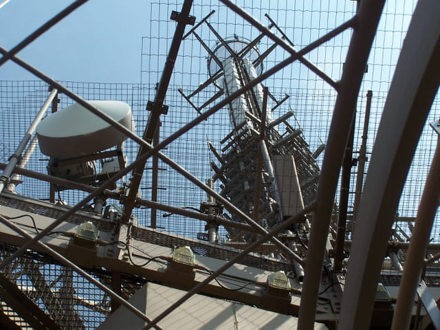 Dernier tage et metteur de la tour eiffel par jean marc puech sur l 39 int - Restaurant dernier etage tour eiffel ...