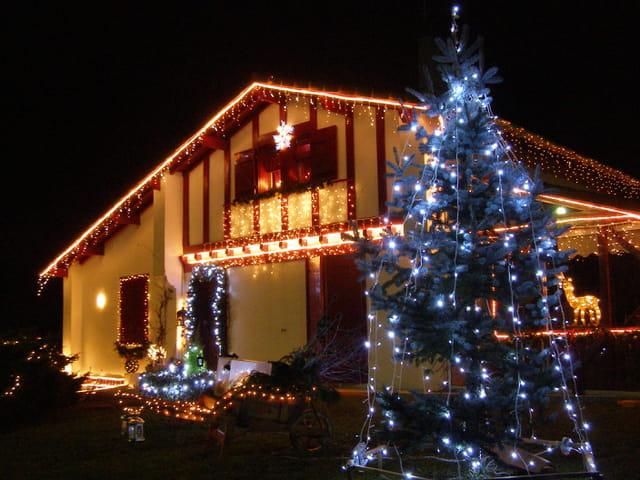 Maison Noel 2007 Par Jean Claude Vaquero Sur Linternaute