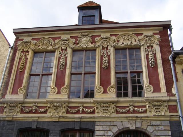 1673 pour cette façade