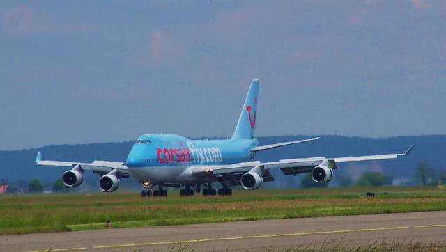 Avion de ligne boeing 747 corsairfly par jean marc puech for Interieur 747 corsair