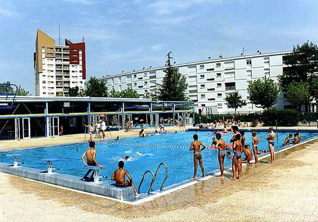 Piscine municipale par ville de lormont sur l 39 internaute for Piscine floirac
