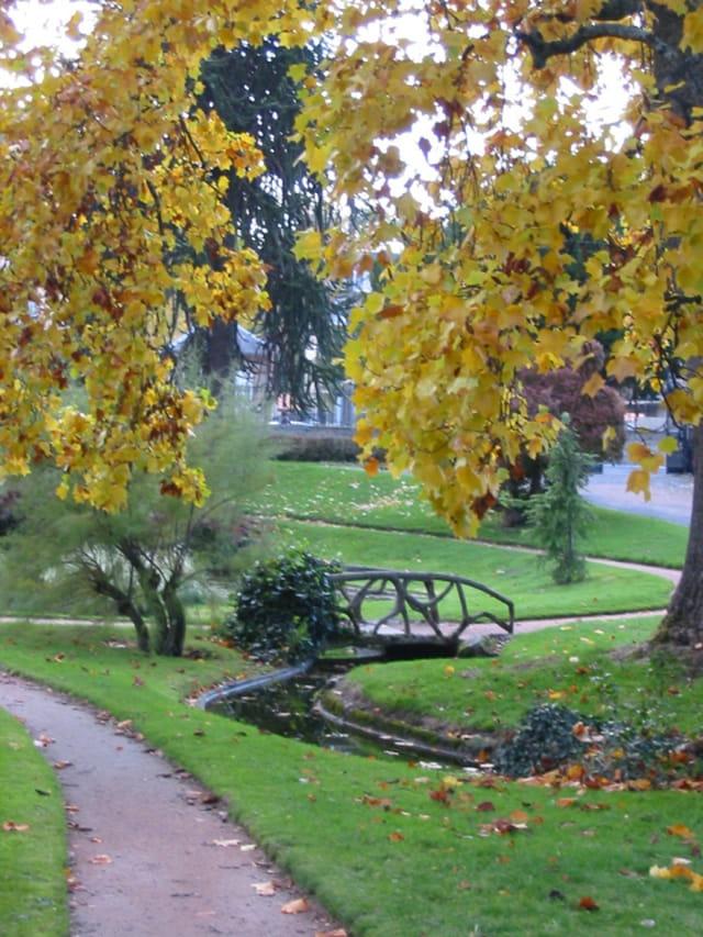 Le petit pont du jardin public par claire lauvergne sur l 39 internaute - Le petit jardin watou creteil ...