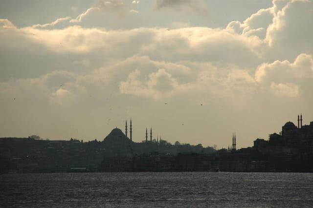 La nuit tombe sur Istanbul