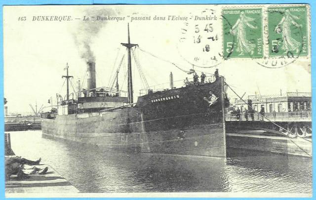 59 DUNKERQUE - Le Dunkerque passant dans l'écluse