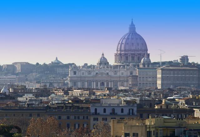 Basilique saint pierre de rome guide de voyage tourisme for Exterieur basilique saint pierre