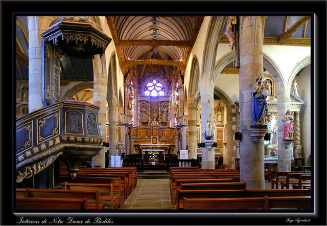 A l'intérieur de l'église.