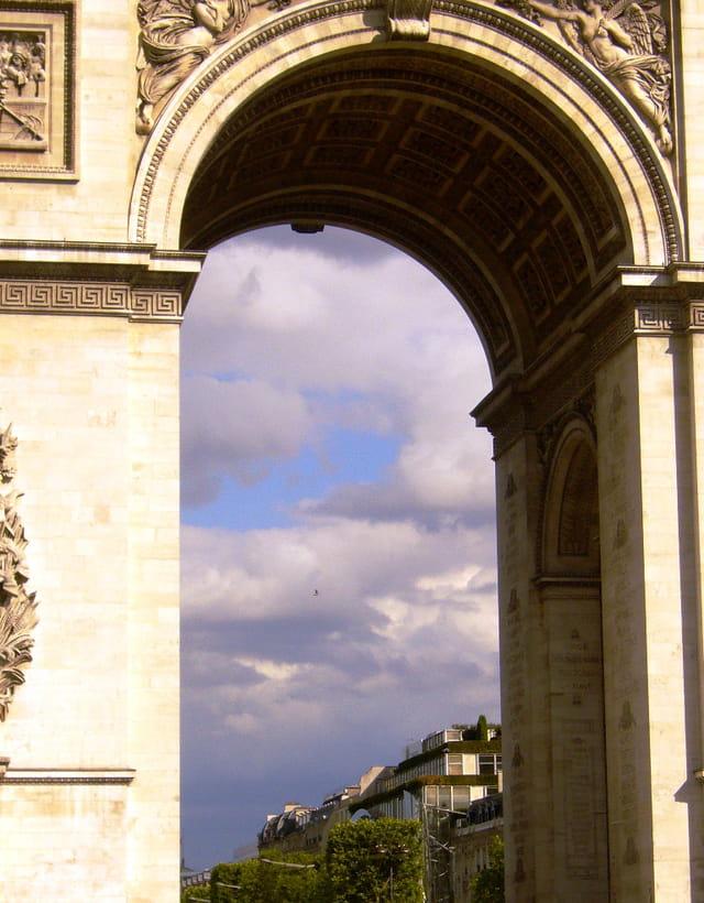 A travers l'arche