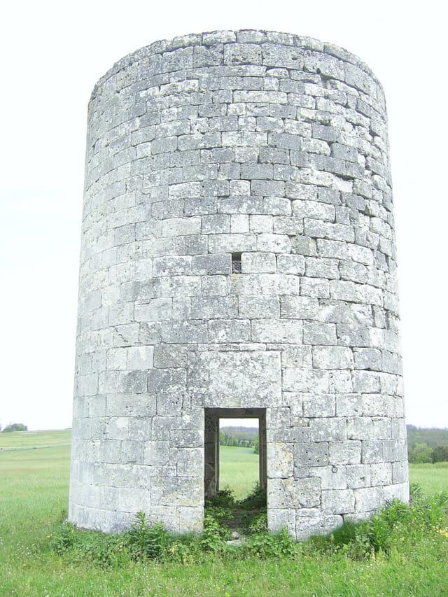 A travers le moulin à vent