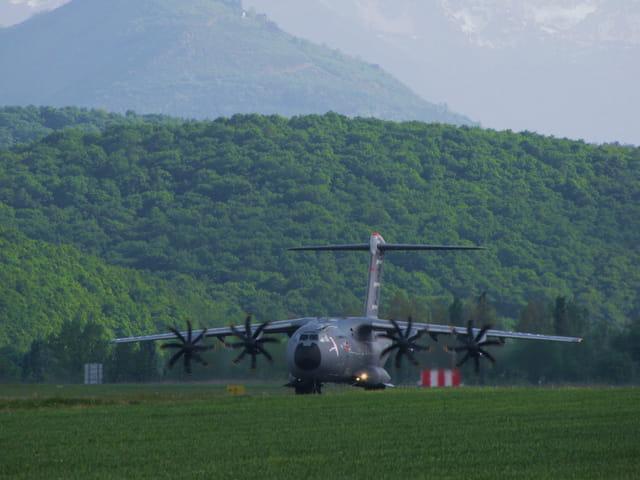 Aéroport de Tarbes-Lourdes-Pyrénées - Airbus Military.