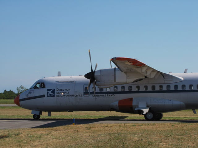 Air Expo - Muret - Avion ATR 72 DGAC.