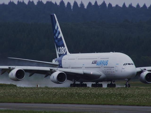 Airbus A 380 - le plus gros avion du monde.