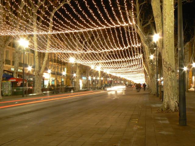 Aix en provence by night