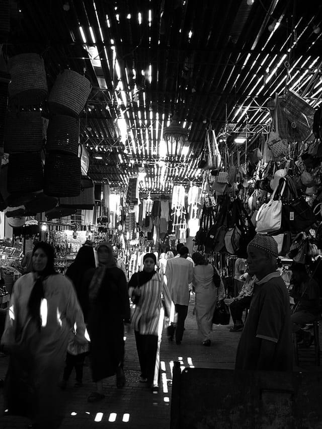 Ambiance des souks de Marrakech