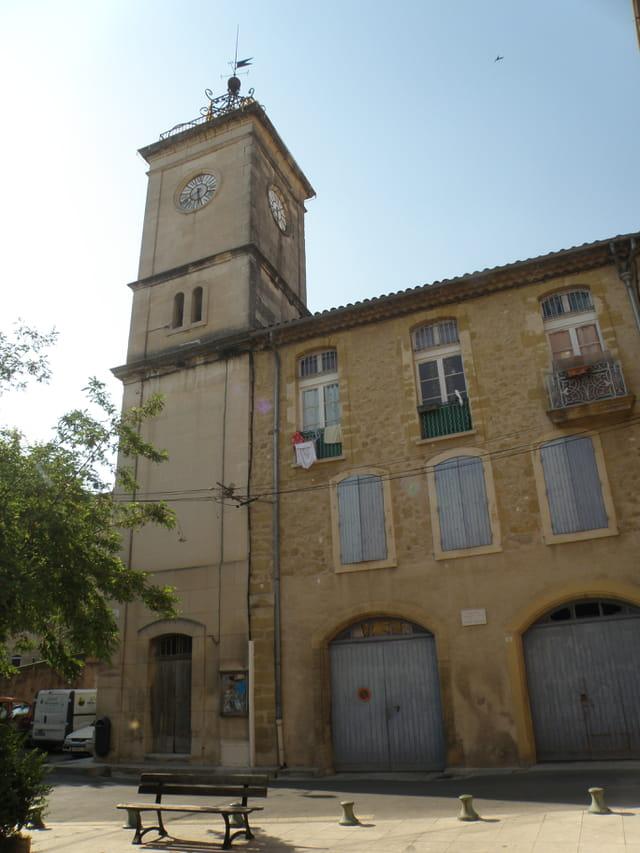Anciens grenier public et  maison commune, de Cadenet