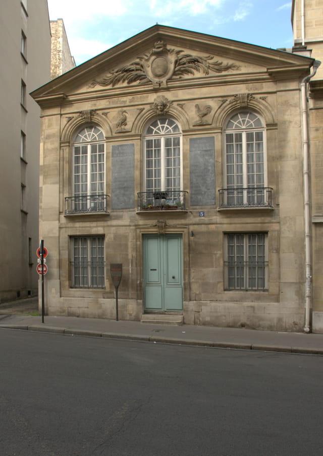 Ancien pavillon de surveillance du Marché aux Chevaux