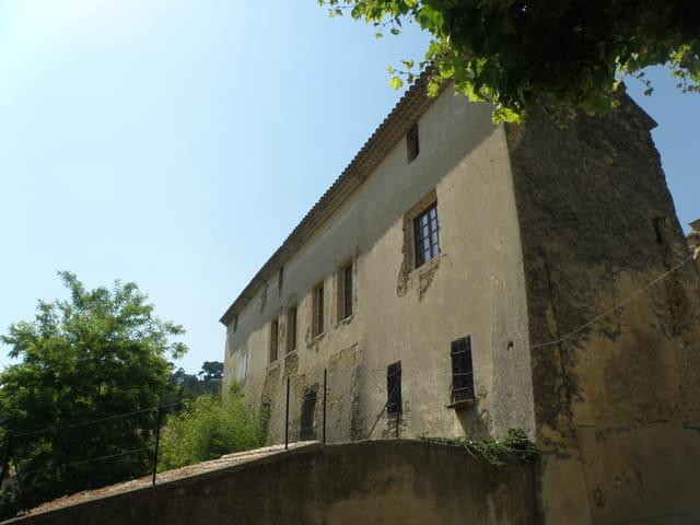 Ancien prieuré, à Cadenet