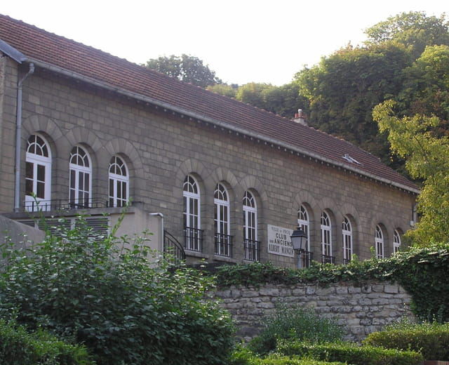 Anciens Bains-Douches (jusqu\'en 1950)