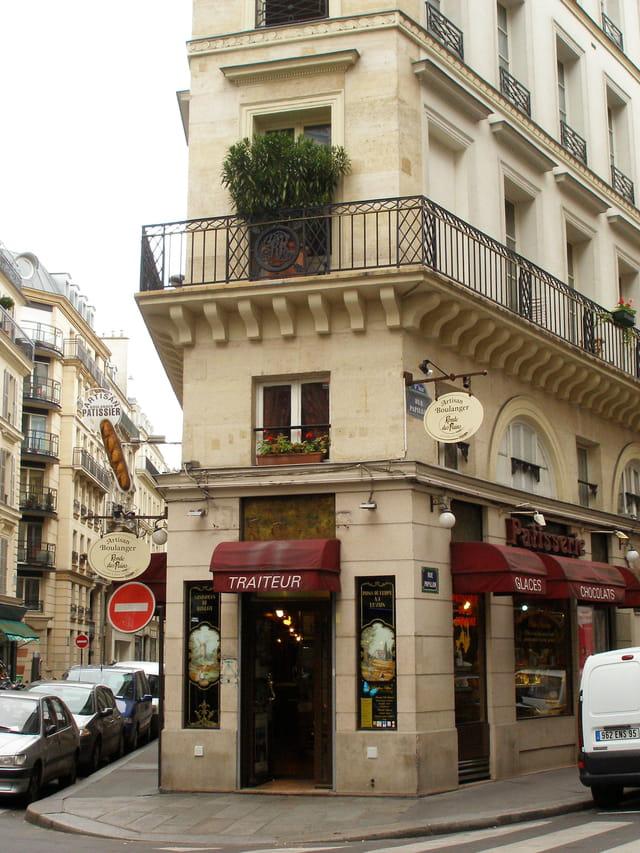 Angle de la rue Papillon et de la rue Bleue