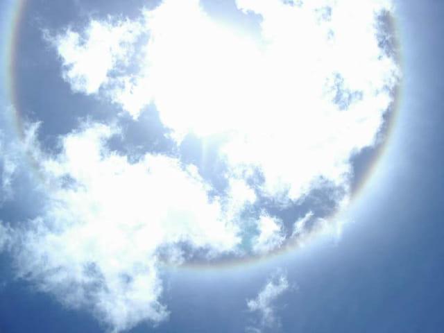 Arc-en-ciel autour du soleil