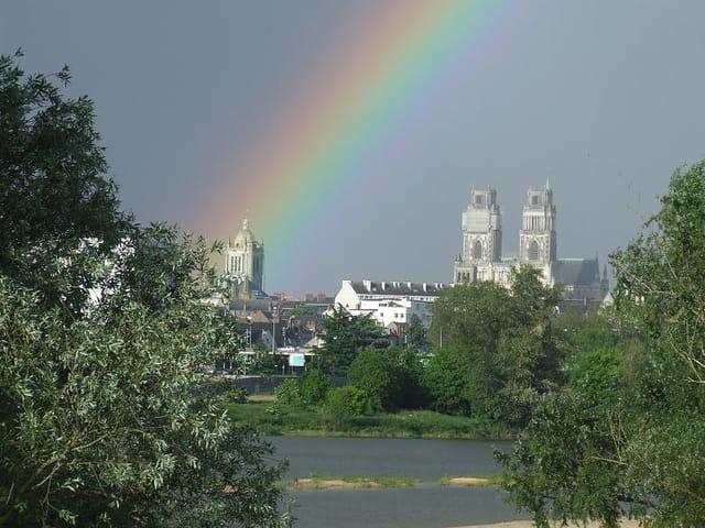 Arc en ciel sur la tour St-Paul d'Orléans
