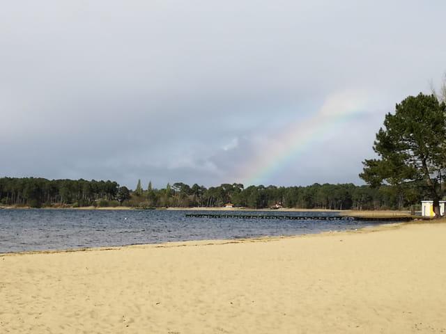 arc en ciel sur le lac