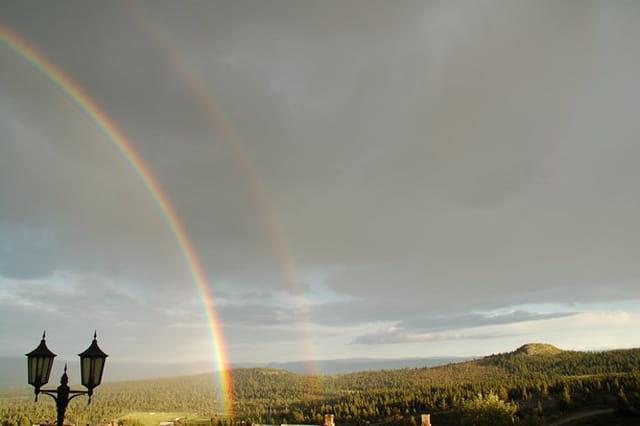 Arc en ciel sur les plateaux de la station de ski Geilo et Gol