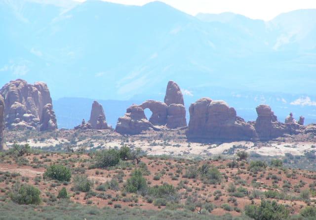 Arches sur Monument Valley