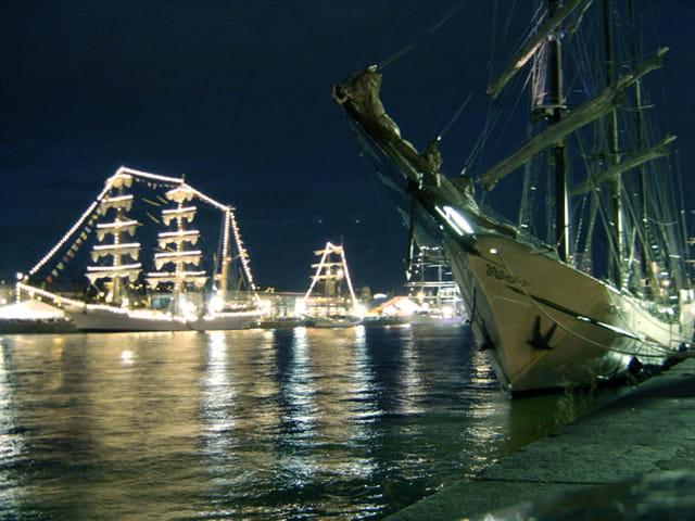 Armada Rouen La nuit