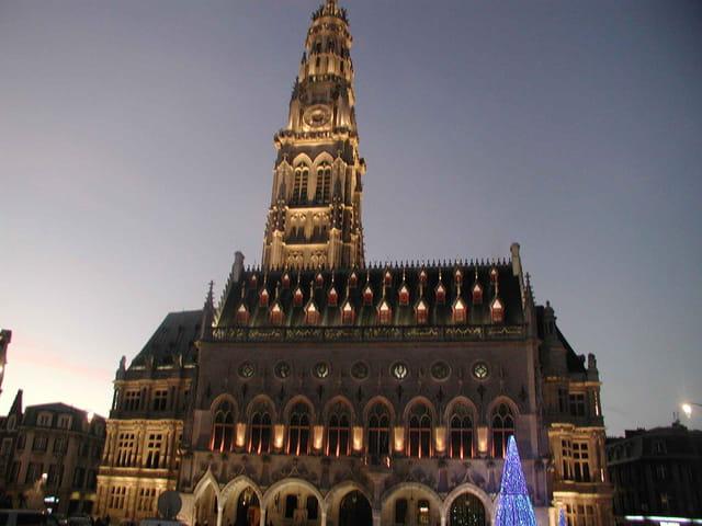 Arras son hotel de ville