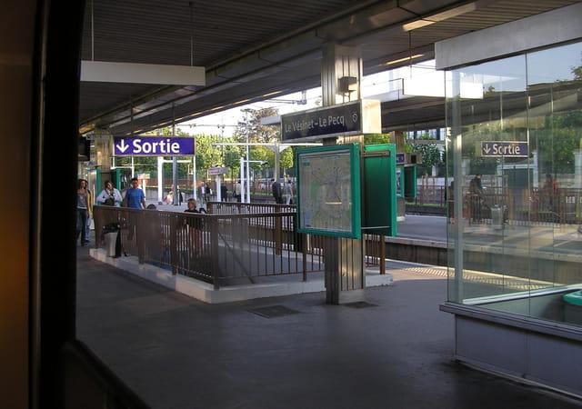 La gare RER Le Vésinet - Le Pecq
