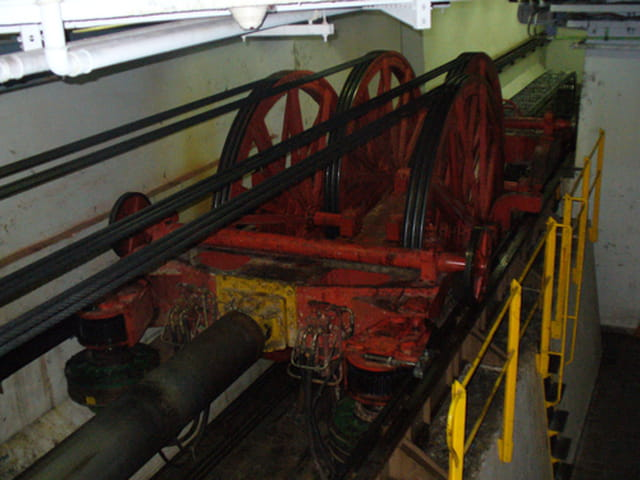 Ascenseur hydraulique tour eiffel