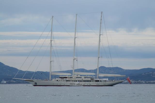 Athena (Royal Huisman) 90m