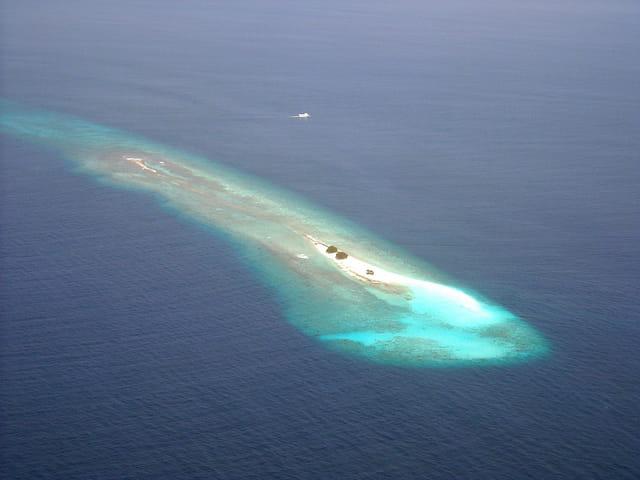 Atoll Ari (1) (Vue d'avion)