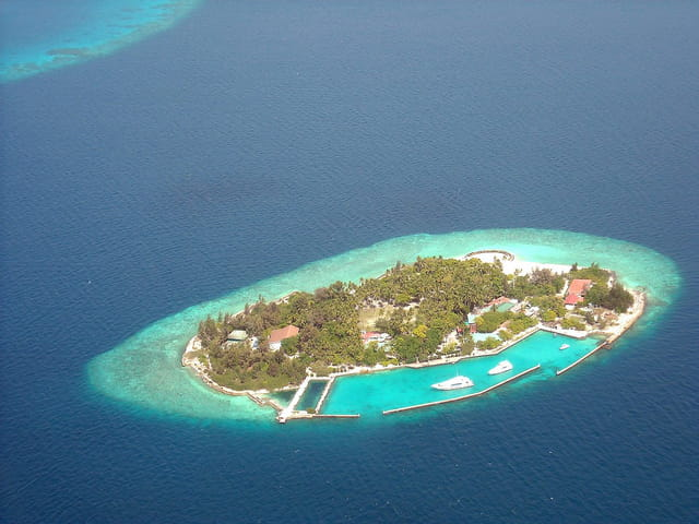 Atoll Ari (2) (Vue d'avion)