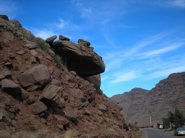 Attention au rocher!