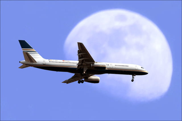 Atterrissage à l'aéroport Tarbes ossun Lourdes