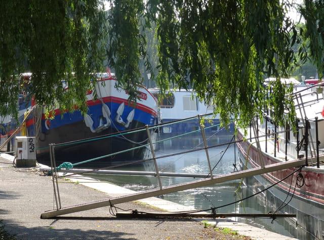 Au bord du Canal de Bourgogne
