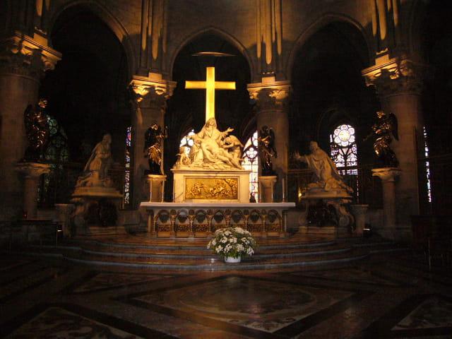 """Au """"choeur"""" de Notre Dame de Paris"""