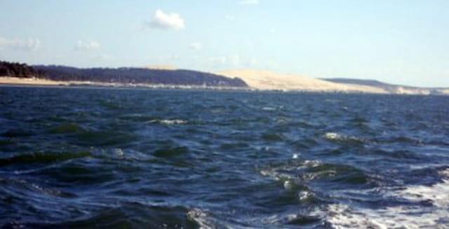 au loin, la dune du Pyla