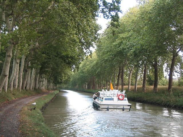 Au long du canal
