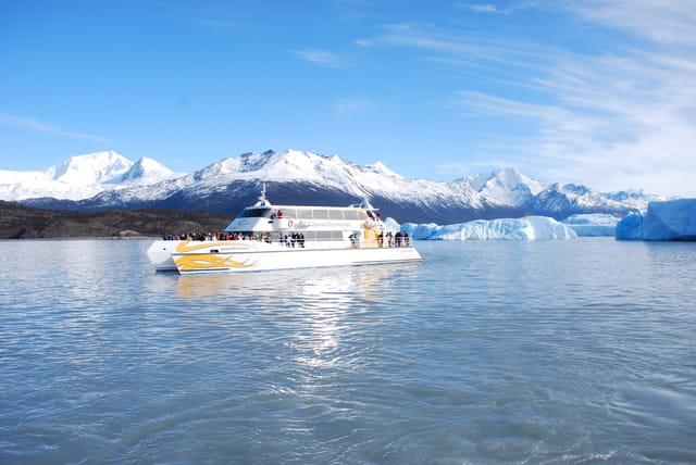 Au milieu des glaciers et icebergs
