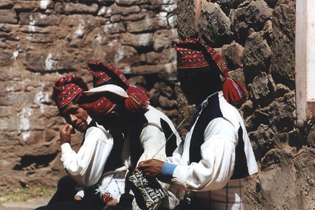 Au Pérou, les hommes tricotent !